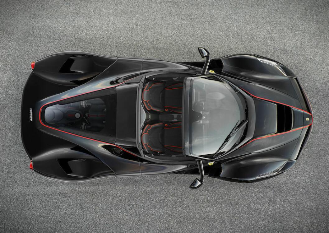 MÅ BYGGE ELEKTRISK: For å oppfylle strengere krav til utslipp, må også Ferrari bygge elbil. Ferrari-sjefen lover at den blir super, men avslører ikke mer om når den kommer eller hvordan den vil se ut. Foto: Ferrari