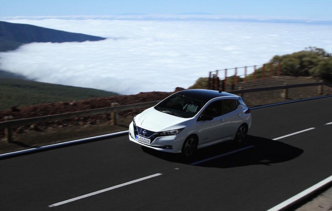 MYE MER - SAMME PRIS: Nye Nissan Leaf ser mye bedre ut og har fått betydelig lengre rekkevidde. Likevel er prisen bare noe tusenlapper høyere enn den gamle. Foto: Rune Korsvoll