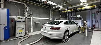 Brukte mennesker og aper i test med diesel-avgass