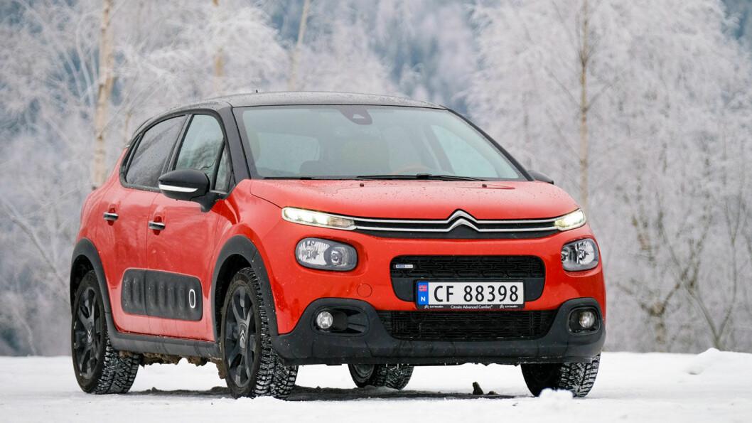 UNG OG FRISK: Med blanding av flere farger blir Citroën C3 en ungdommelig og kul bil. Foto: Jon Terje Hellgren Hansen