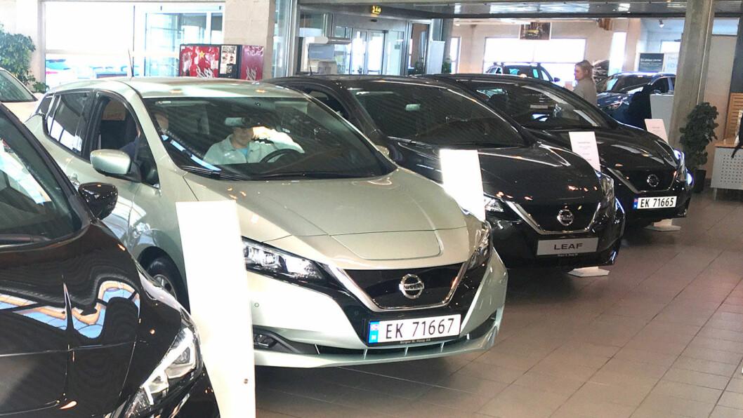 LEAFER I KØ: Nissan har allerede solgt 6500 Leaf-biler, og håper på et fem-siffret salg i 2018.