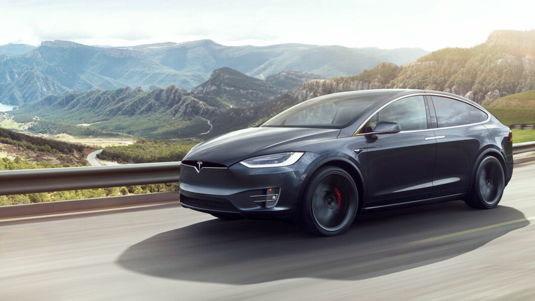 NORSK FAVORITT: Tesla Model X var Norges fjerde mest solgte bil i fjor, med et høyere salg (og pris!) enn for eksempel VW Passat. Foto: Tesla