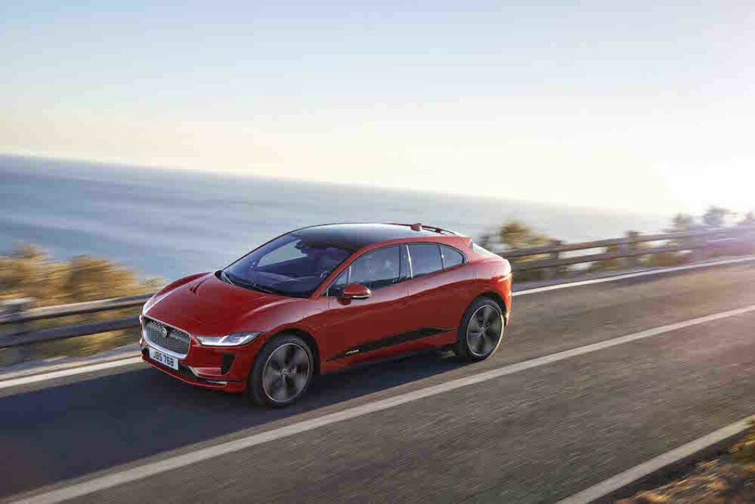 RIMELIG: Med en pris på 599.900 kroner, blir Jaguar I-Pace en tøff konkurrent til Tesla når den kommer i august. Foto: Jaguar