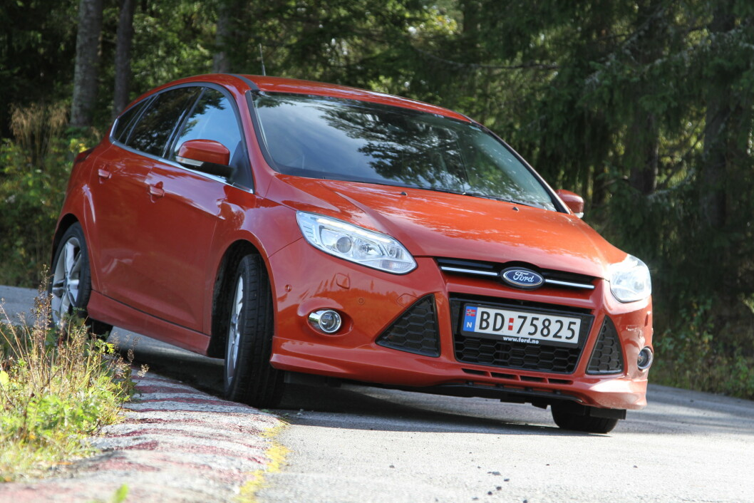 KJØREMASKIN: Ford Focus har de beste kjøreegenskapene av alle. Den lille motoren imponerer.