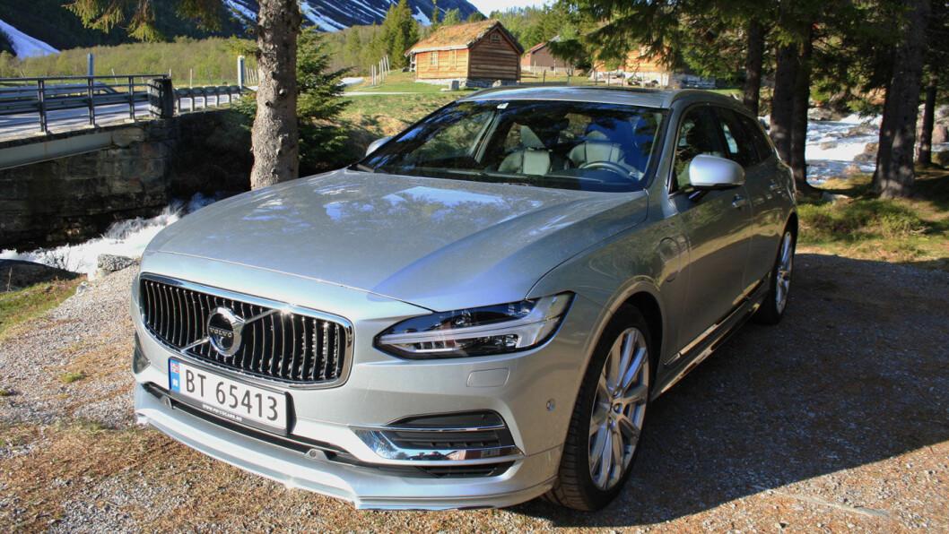 NORGESVENN: Volvo har alltid hatt en plass i den norske bilistsjela, det samme gjelder den nye rekken med modeller mer fokus på design og prestisje. V90 er en av bestselgerne i Norge. Foto: Jenny A. Monn-Iversen