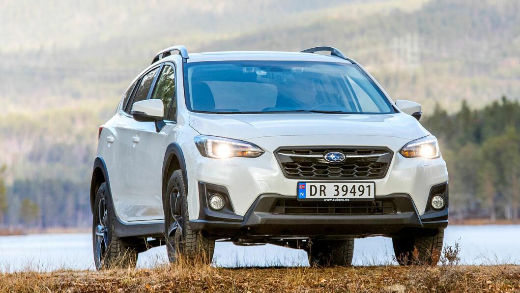 SÆRPREG: Med XV har Subaru klart å skape en bil med identitet. Det kompakte crossover-designet med den rause bakkeklaringen på hele 22 centimeter har sine trofaste fans i Norge. Foto: Tomm W. Christiansen