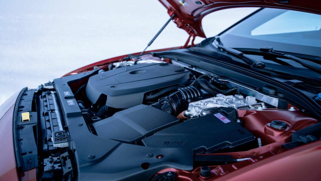 REKKER ET STYKKE: Volvos plug-in-hybrider tar deg noen få mil på elektrisk kraft, men treffer godt i avgiftssystemet.