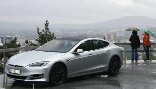 Tesla og Kina krangler om feil med fjæringen