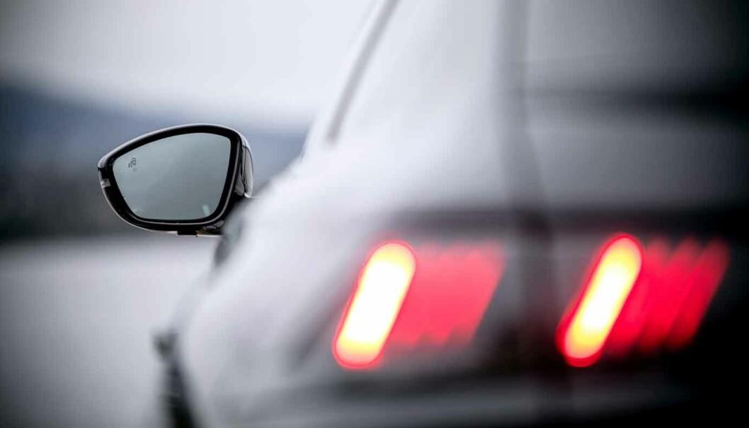 VIKTIG: Lys er viktig i trafikken, og lysene fra en Peugeot 508 gjør det hele litt mer spennende også.