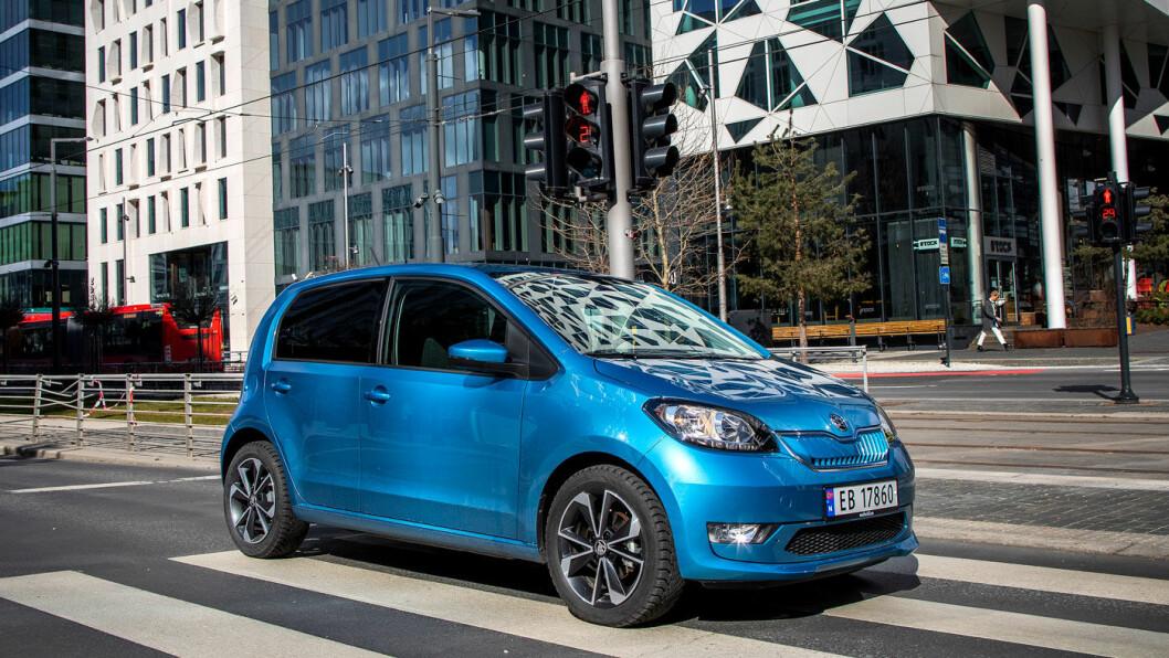 TIDLØS: At bilens design i store trekk er minst 13 år gammel spiller ingen rolle.