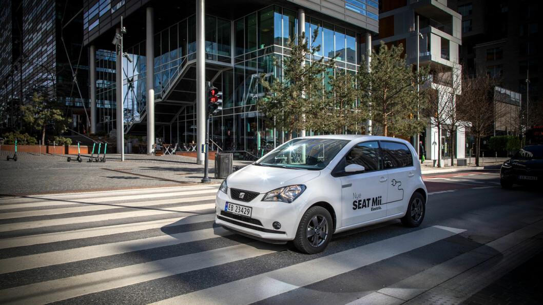 AKTUELL NOK: Seat Mii Electric gjør seg ikke bort i forhold til andre småbiler i dagens trafikkbilde.