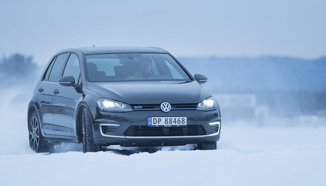 ET LITE STYKKE NORGE: Det er fortsatt VW Golf som dominerer bilhandelen i Norge.
