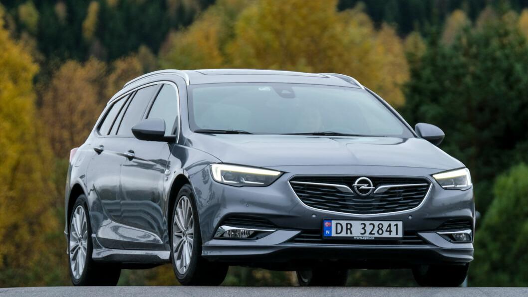 ELEGANT: Opel Insignia er en elegant og lettkjørt stasjonsvogn. Foto: Jon Terje Hellgren Hansen