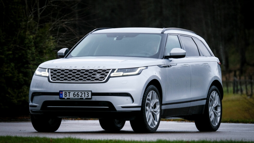 BARSK: Range Rover Velar ser barsk ut og er et hakk større enn de andre bilene i klassen. Men den er også dyrere. Foto: Jon Terje Hellgren Hansen