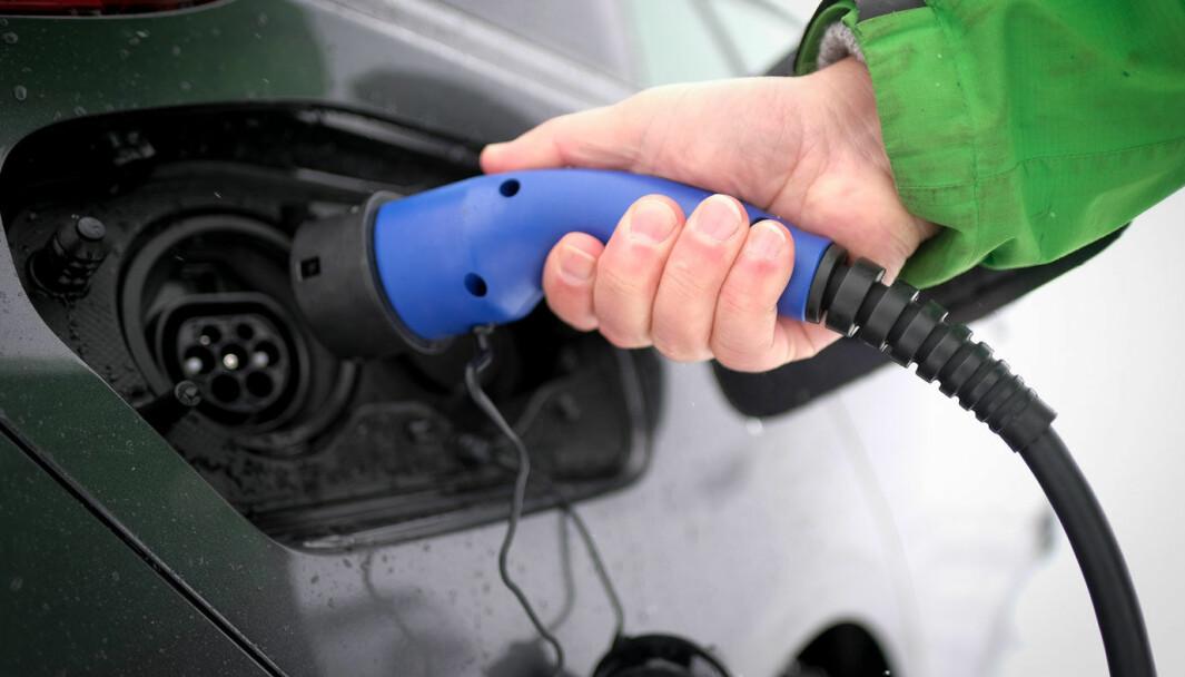 EN AV FEM: Det store flertallet av bilistene har ikke tilgang hjemme på godkjent lader for bilen.