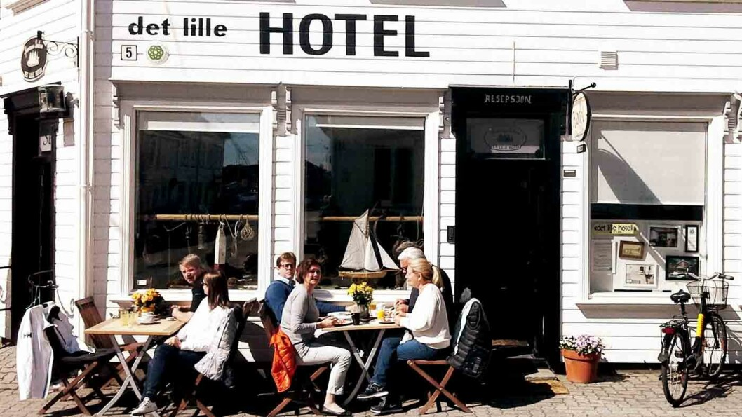 SØRLANDSIDYLLEN: I den hvite trebyen Risør ligger Det Lille Hotel med suiter fordelt på flere av de gamle husene.