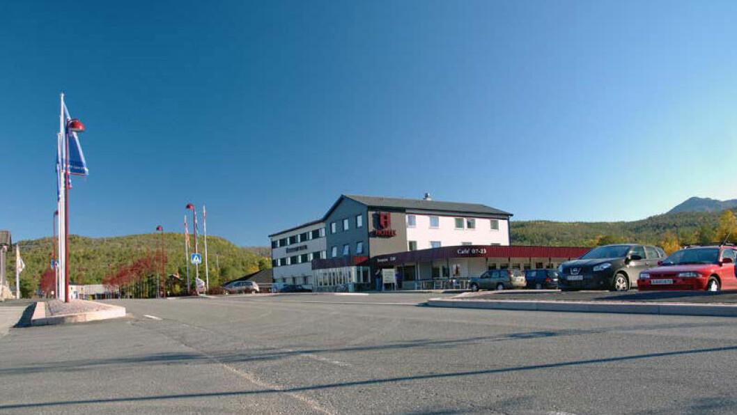 ET MØTESTED: Hamarøy er Hamsuns rike, og Hamarøy Hotel ligger praktisk til rett ved E6.