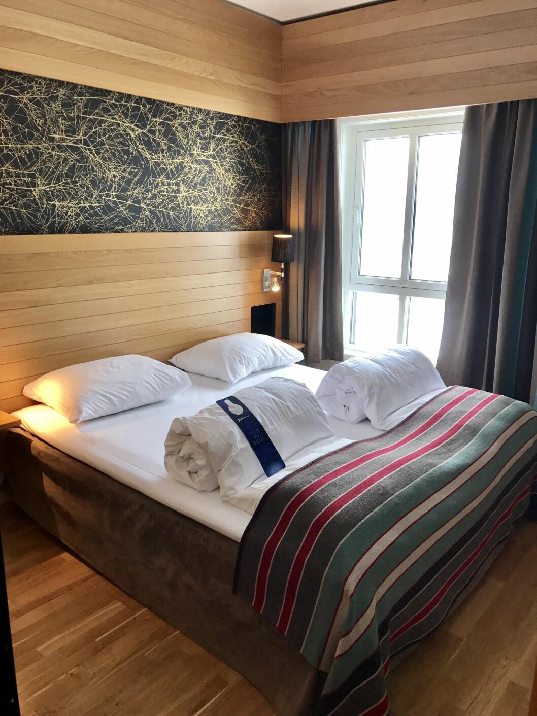 BARE NESTEN: Supergode madrasser og sengetøy, men selve dynene er ikke all verden…