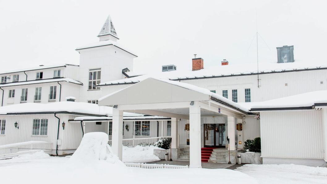 ET STORT PLUSS: Beliggenheten til Scandic Lillehammer kunne ikke vært bedre, like ved parken, i gåavstand til sentrum, og bare en liten rusletur til Maihaugen. Foto: Scandic Lillehammer