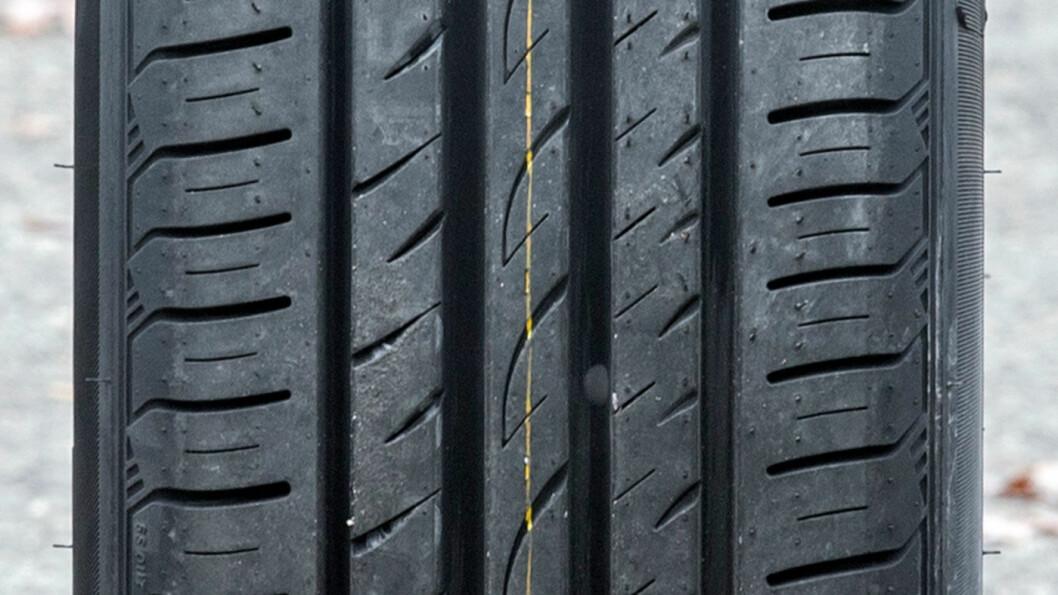 FORBRUKSVINNER: Roadstone Eurovis Sport har det laveste forbruket blant budsjettdekkene i testen.