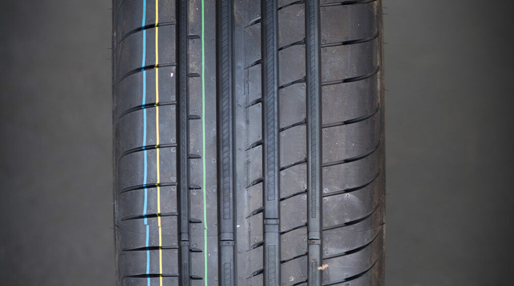 Goodyear Eagle F1 Asymmetric 3