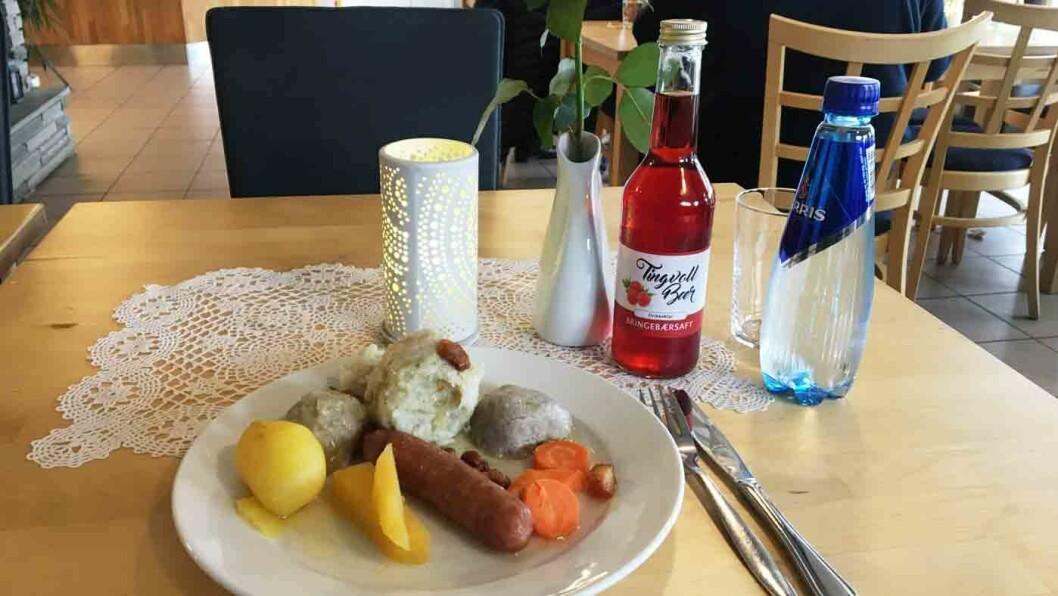 BALLBUFFET: Hver torsdag er det buffet med flere typer hjemmelaget ball på Fjordkroa.