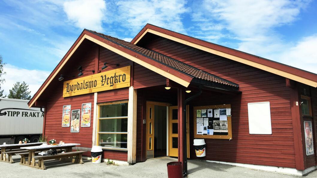 STAMSTED: Det virker som om det er mange lokale som finner vei til Høydalsmo Kro ved E134 i Telemark.