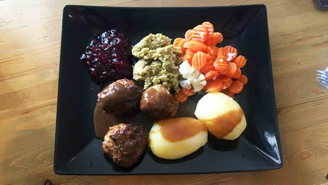 SLAPPE GREIER: Kjøttkakene er bedre på kroa 10 minutter lenger nordover, og sausen og grønnsakene er bare ikke til å spise opp.