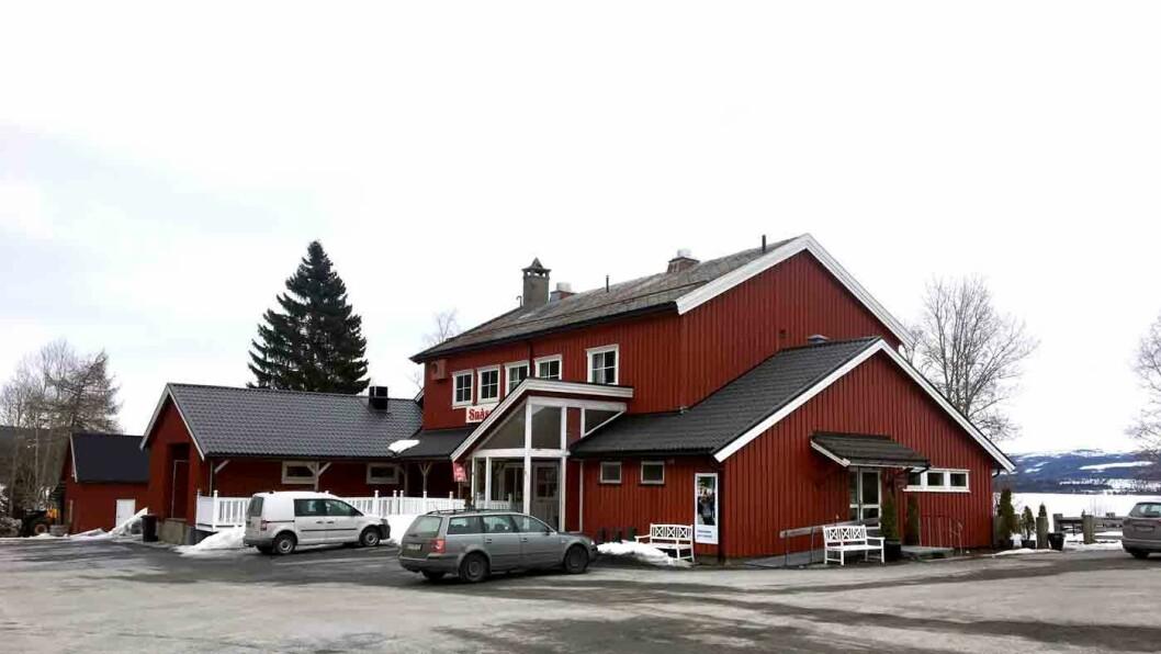 TRADISJON I VEGGENE: Snåsakroa er et velkjent og populært stoppested for mange som kjører E6 nord for Steinkjer.