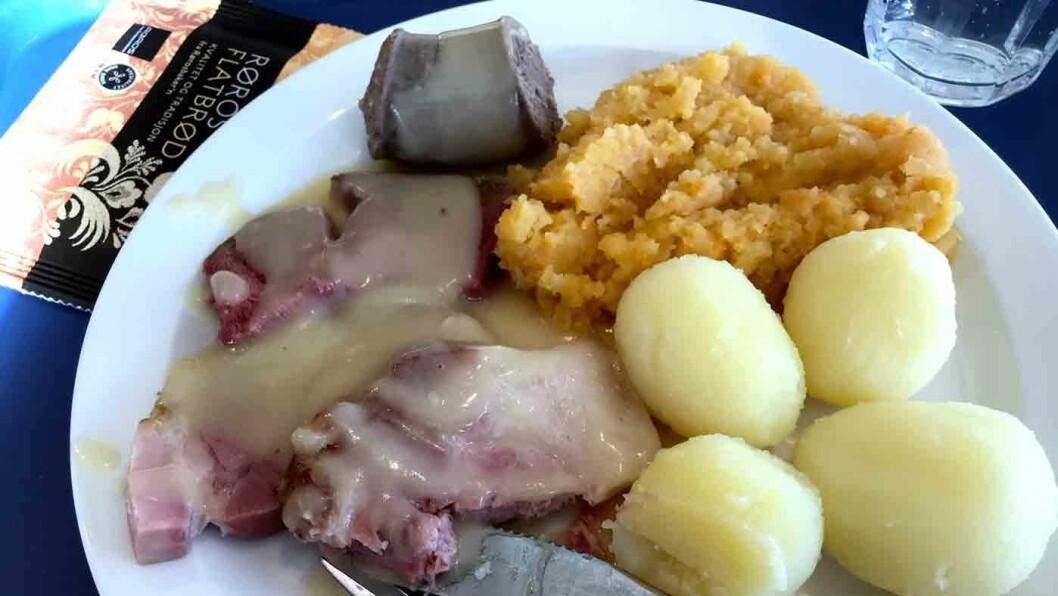 BEGRENSET MENY: Dagens er salt kjøtt med kålrabistappe og poteter. Om ikke annet så er prisen veldig god.