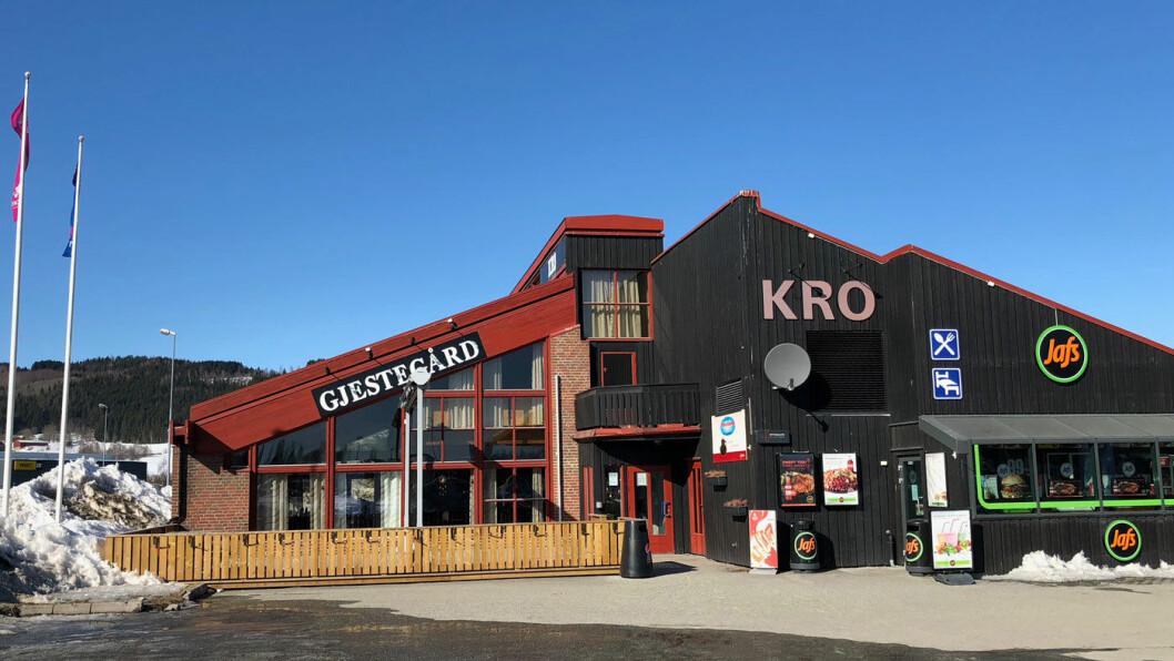 IKKE HELT PÅ HØGDA: Spisestedene på Rudshøgda har god beliggenhet for veifarende, men maten er ikke helt på høyden.