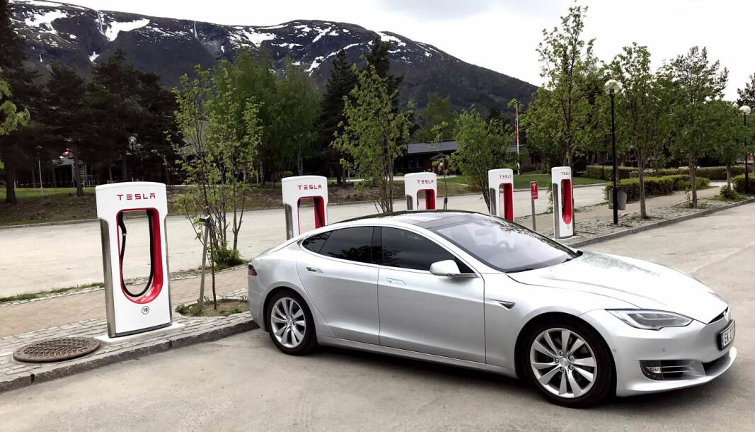 UTVIDES: I løpet av 2021 blir Teslas superladerenettverk kraftig utbygd.