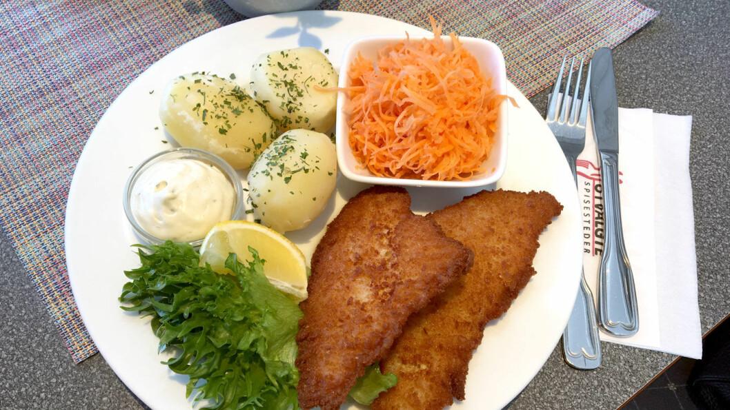 MYE PÅ MENYEN: Også flere fiskevalg, blant annet sprøstekt rødspette med poteter og råkost.