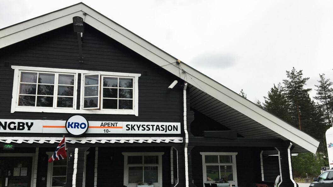 NORSK HYTTESTIL: Med kebab og pizza fra Stabburet og hjemmelaget husmannskost.