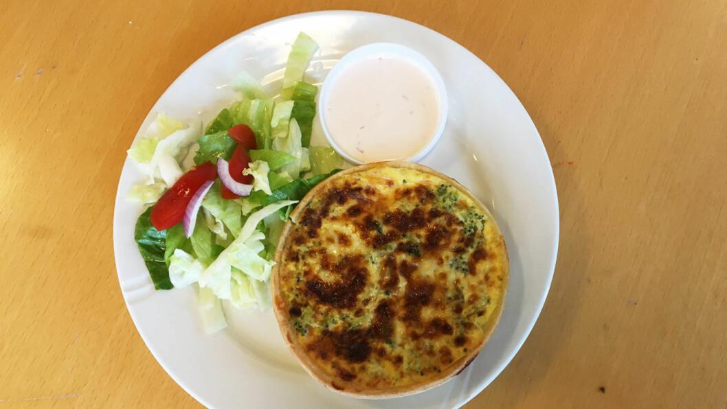HJEMMELAGET PAI: Paiene kan fås med laks, elgkjøtt, tacokjøtt eller ost og brokkoli.
