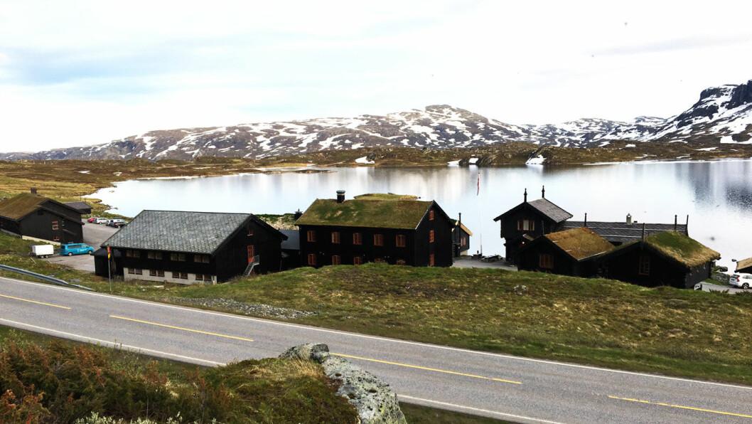 I 1000 METERS HØYDE: Haukeliseter Fjellstue er DNTs mest populære hytte, men er også et sted du kan stoppe og spise langs veien.