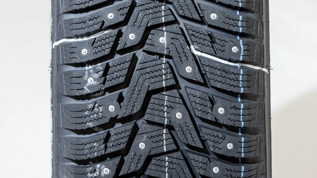KOREANER: Hankook-dekket skuffer litt på asfalt.