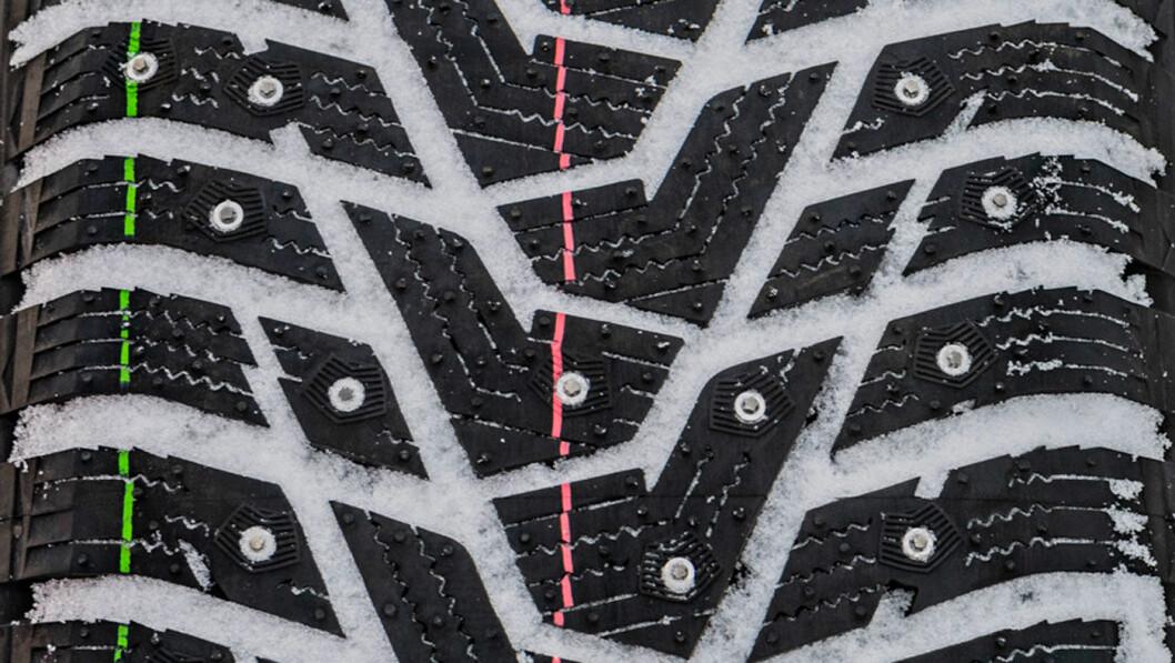 BEDRE, MEN…: Topp i vannplaningsdisiplinen, men ellers sliter Hankook-dekket. Foto: Peter Gunnars