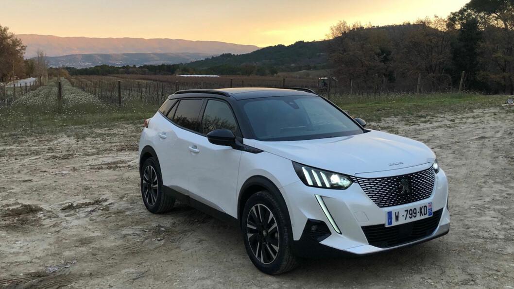 HELT NY: Peugeot e2008 kommer til Norge på nyåret, og blir merkets viktigste modell i Norge i 2020. Prisene er nå klare.