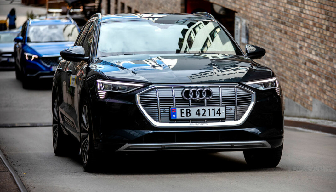 FESTE-TRØBBEL: En del eiere av el-SUV-en Audi e-tron har opplevd at hengerfestet er blitt løst.