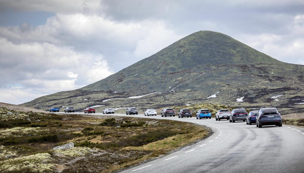 SISTEVALG: Elbil-kolonne i Rondane under Motors rekkeviddetest sist sommer.