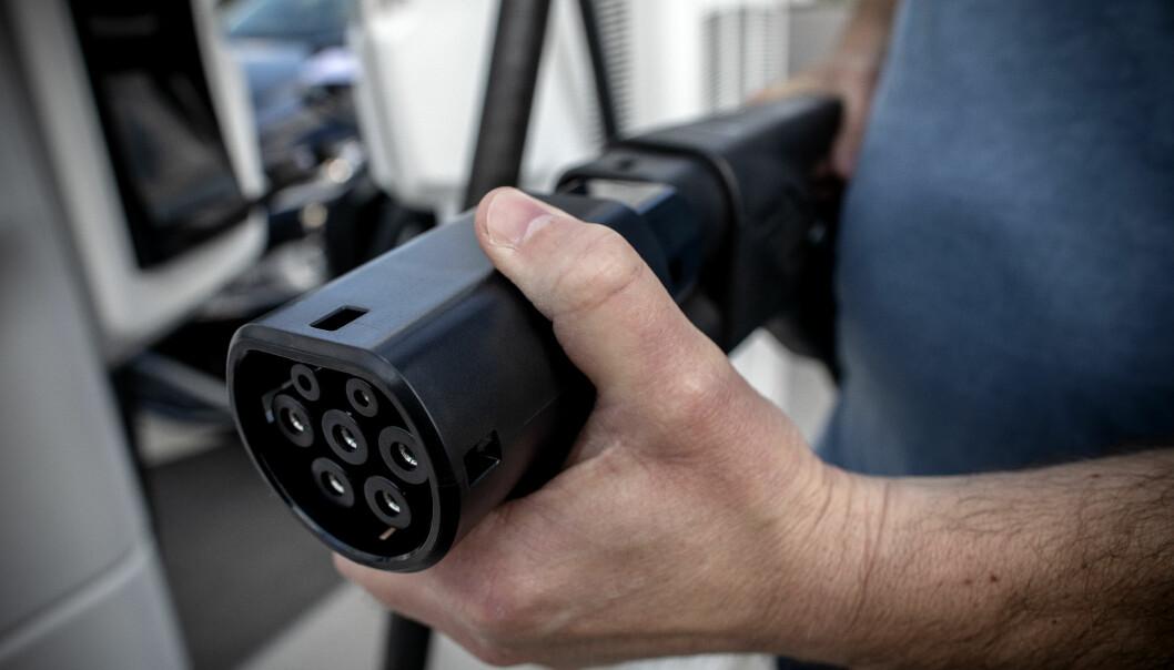 MER STRØM: Elbiler blir stadig mer populært og bidrar til å kutte kommunenes klimagassutslipp.