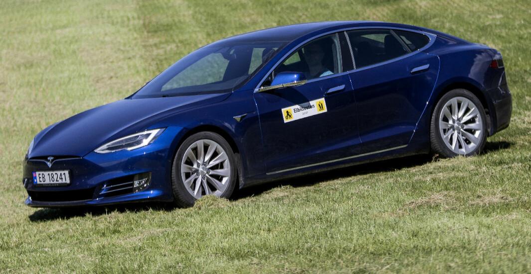 Tesla Model S: S for suveren