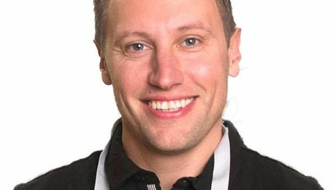 <b>GLEM TØRKERULL</b>: Dan Riebe i Car Spa anbefaler deg å ha med mikrofiber-klut i feriebagasjen.