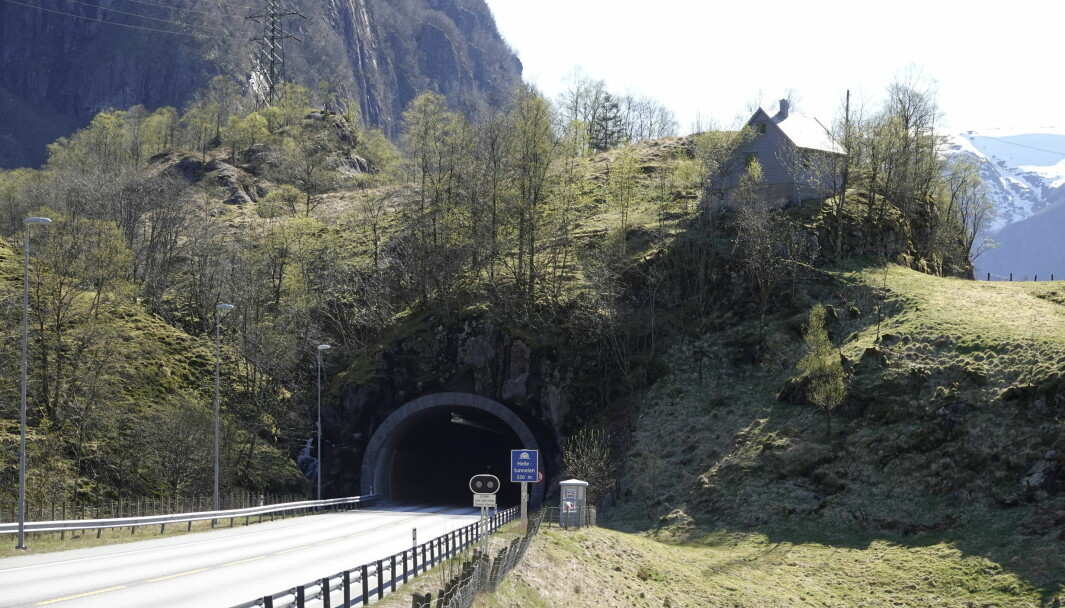 <b>SELVESTE EUROPAVEIEN</b>: Helletunnelen nær Stanghelle på strekningen Bergen-Voss.