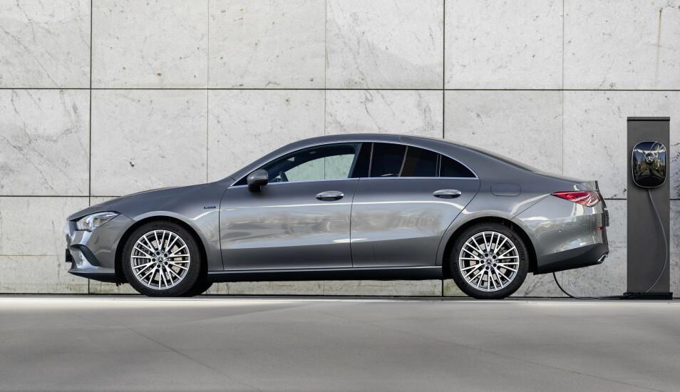 <b>69 KILOMETER:</b> Elegante CLA Coupe skal i teorien komme noen meter lenger enn de to andre.