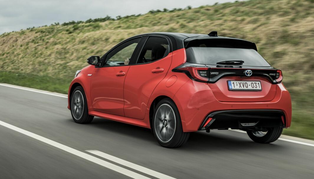 <b>DYNAMISKE LINJER:</b> Yaris tilfører designmessig et hint av sportslighet til Toyota-imaget.