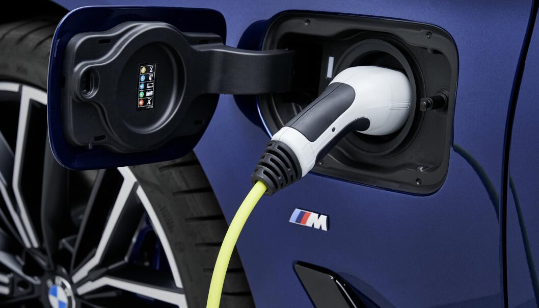 KOBLER PÅ: Ladehybriden 530e xDrive kan få helelektrisk selskap.