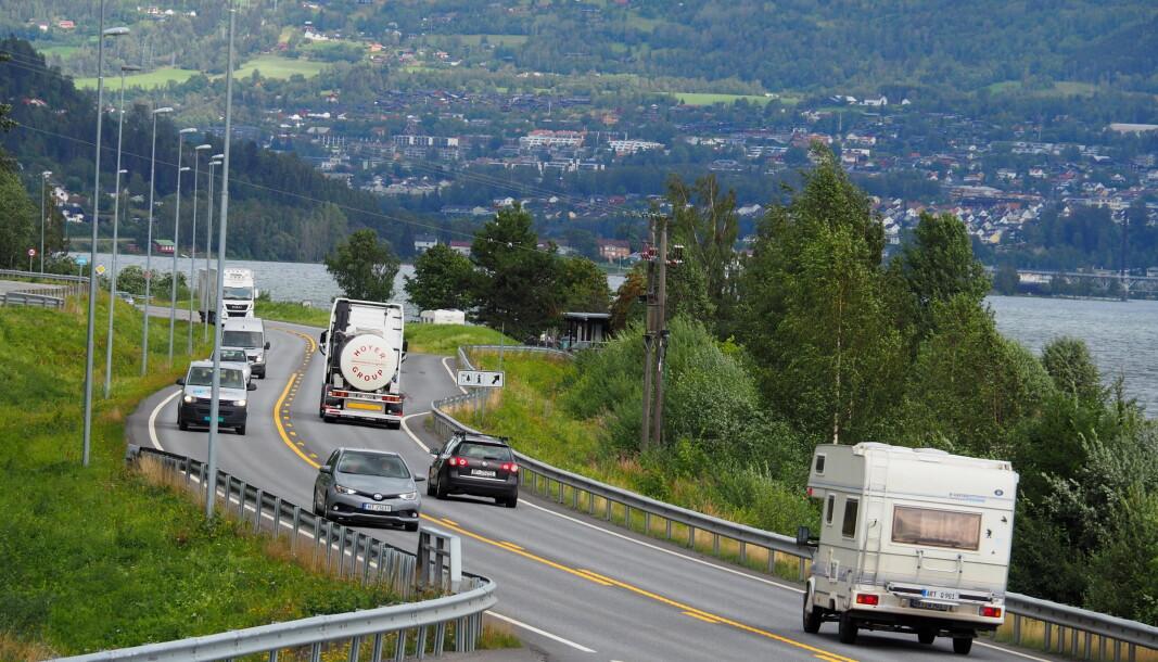 <b>FLERE OG FLERE:</b> Trafikken er rekordhøy på E6 gjennom Innlandet og Gudbrandsdalen.