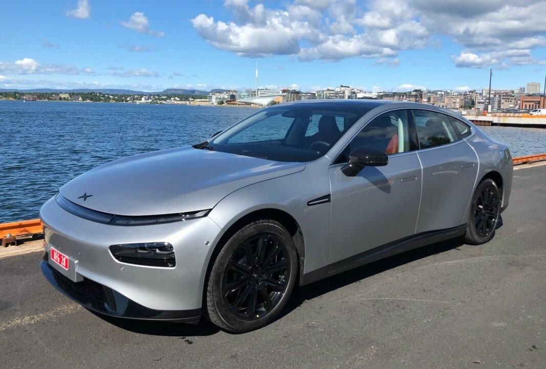 BLIR TESLA-KONKURRENT: Xpeng P7, her på snarvisitt i Oslo, blir modell nummer to i sortimentet som skal tilbys av importøren, XBI (Motor Gruppen).